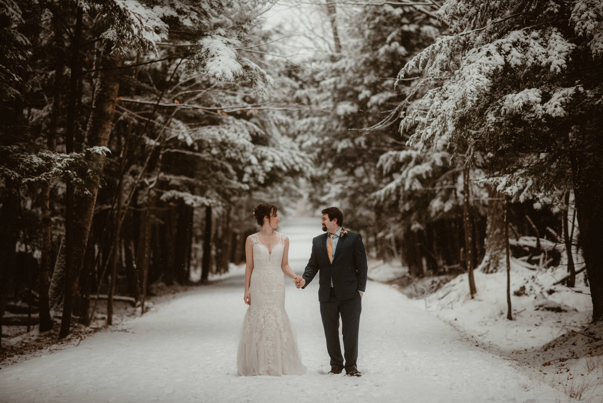 Beautiful snowy elopement in Michigan's Upper Peninsula