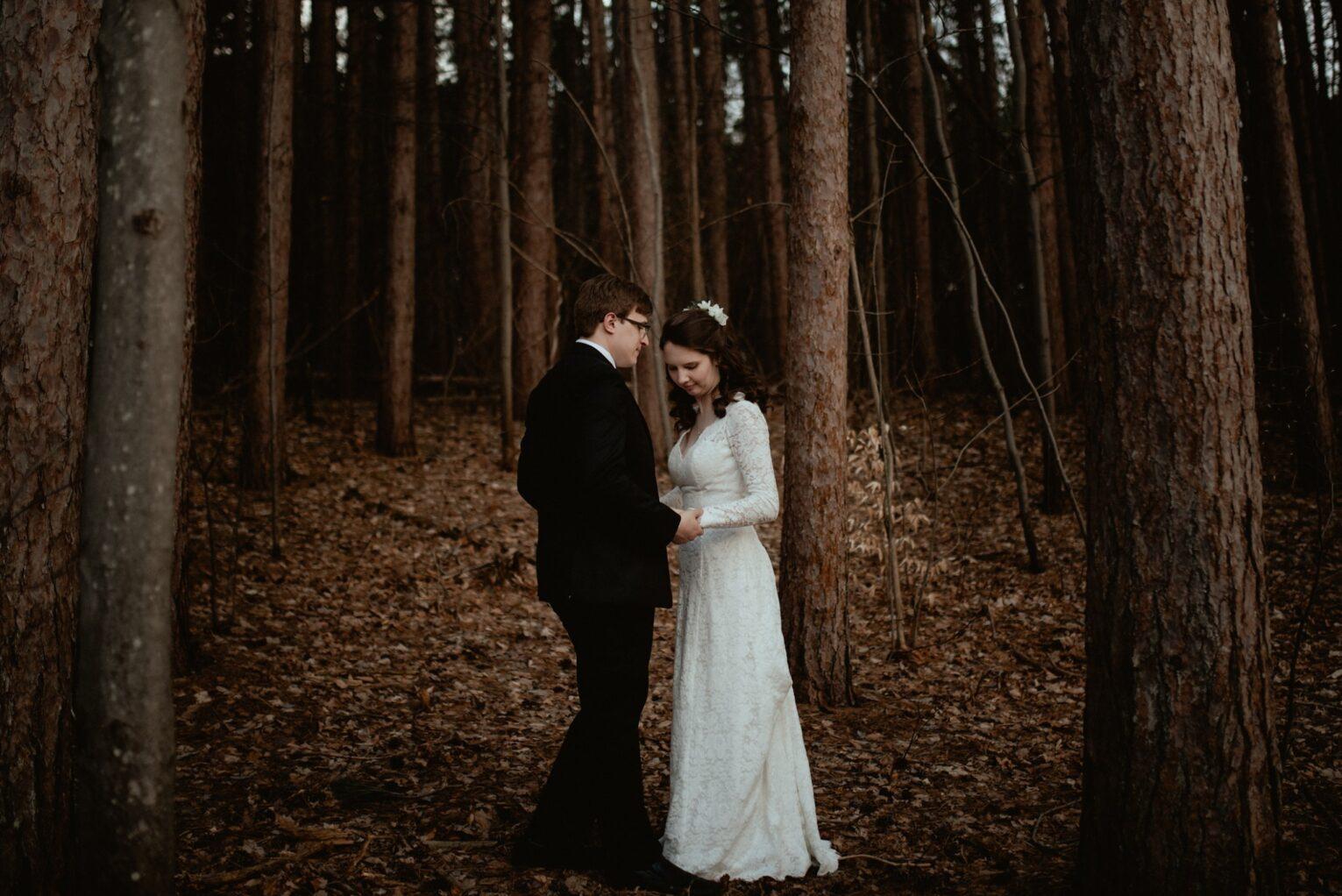 Elopement in the woods in Michigan